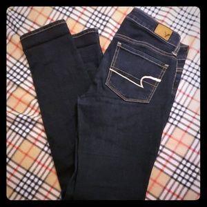 American Eagle size 2 skinny super stretch jeans